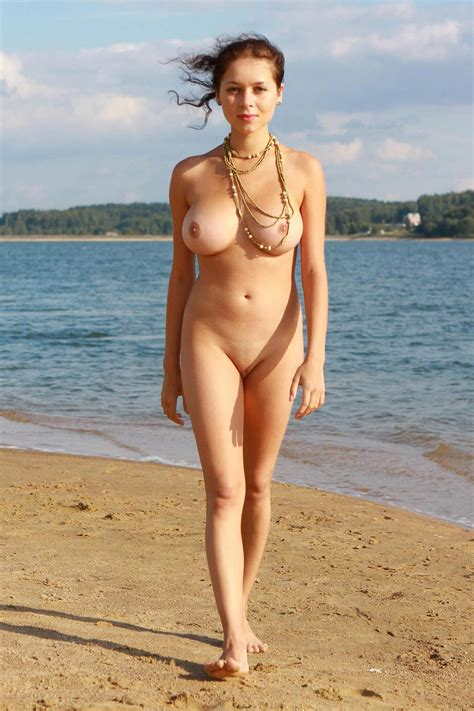 Huge tits women big boob photos busty porn tetas jpg 800x1200
